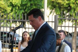 Governador discursa na inauguração.
